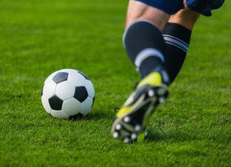 Zalety korków piłkarskich Adidas