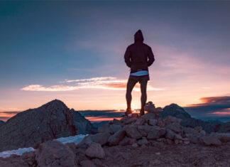 Jak dobrać skarpety trekkingowe do butów górskich